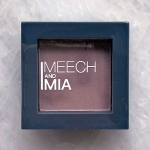 5/$25!🌟 MEECH AND MIA Pressed Taupe Eyeshadow